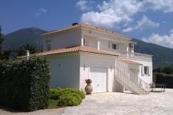 WP_front-of-villa
