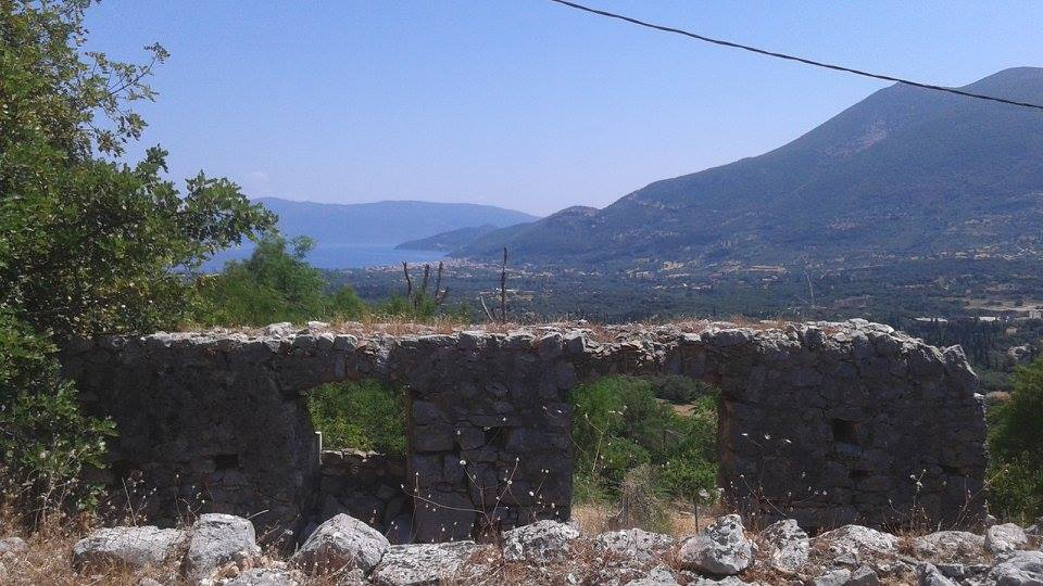 Sea view land plot with an old ruin in Haliotata, Kefalonia