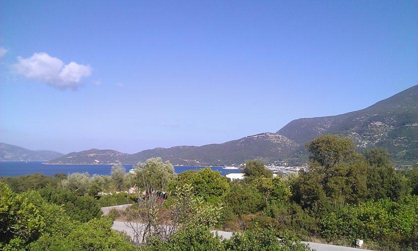 Land plot near Karavomilos overlooking the Sami bay